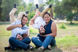 צילום משפחתי מצחיק בטבע - צלמת רוני ישראל